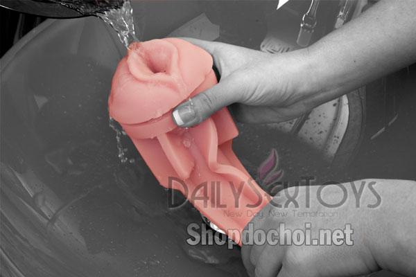 Cách vệ sinh âm đạo giả